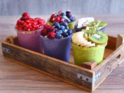Receitas de pequeno-almoço com papas de aveia e fruta