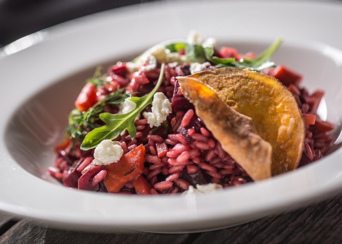 Receitas vegan: risotto de beterraba e trigo