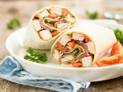 Wrap de frango com legumes