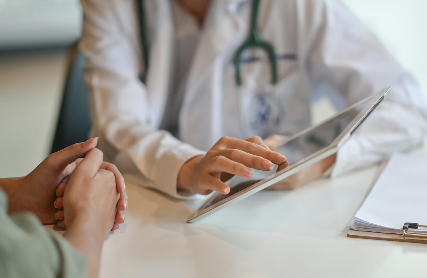 Zona: sintomas, fatores de risco e tratamento