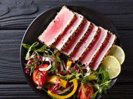 Como cozinhar atum: bifes de atum com sementes de sésamo