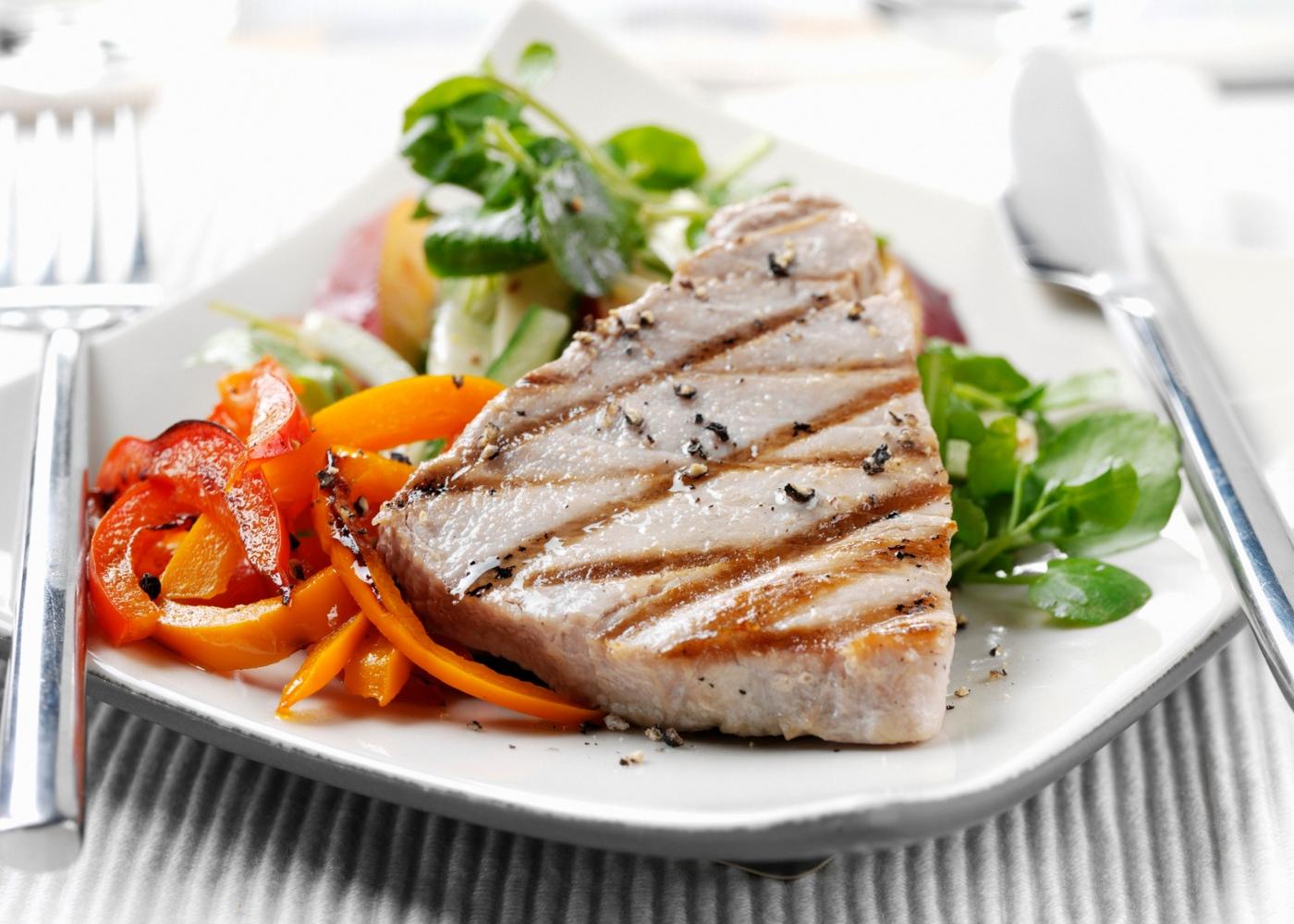 Como cozinhar atum: atum de cebolada