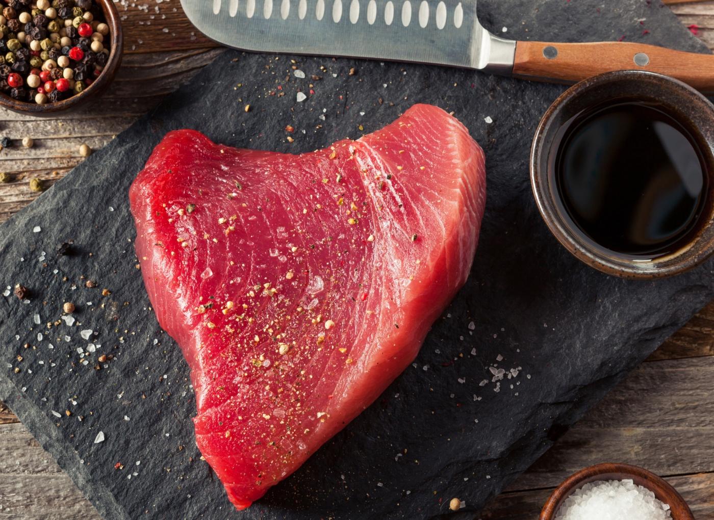 Como cozinhar atum: bife de atum temperado