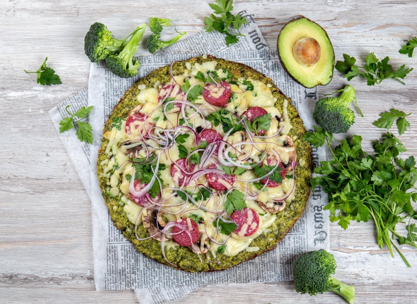 Massa de pizza à base de legumes: brócolos