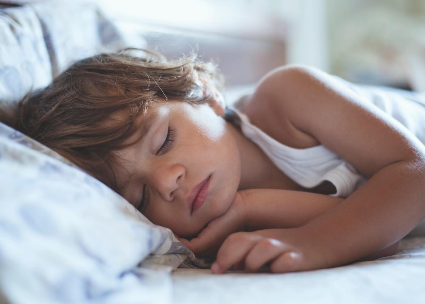 Menino a dormir