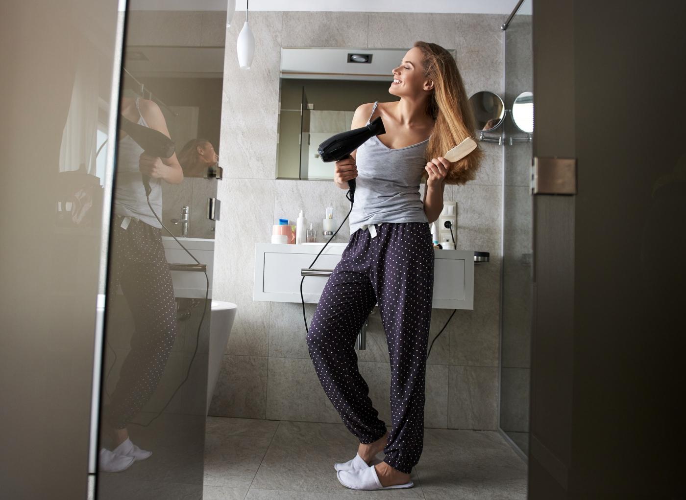 Prevenir a queda de cabelo: cuidados com os secadores