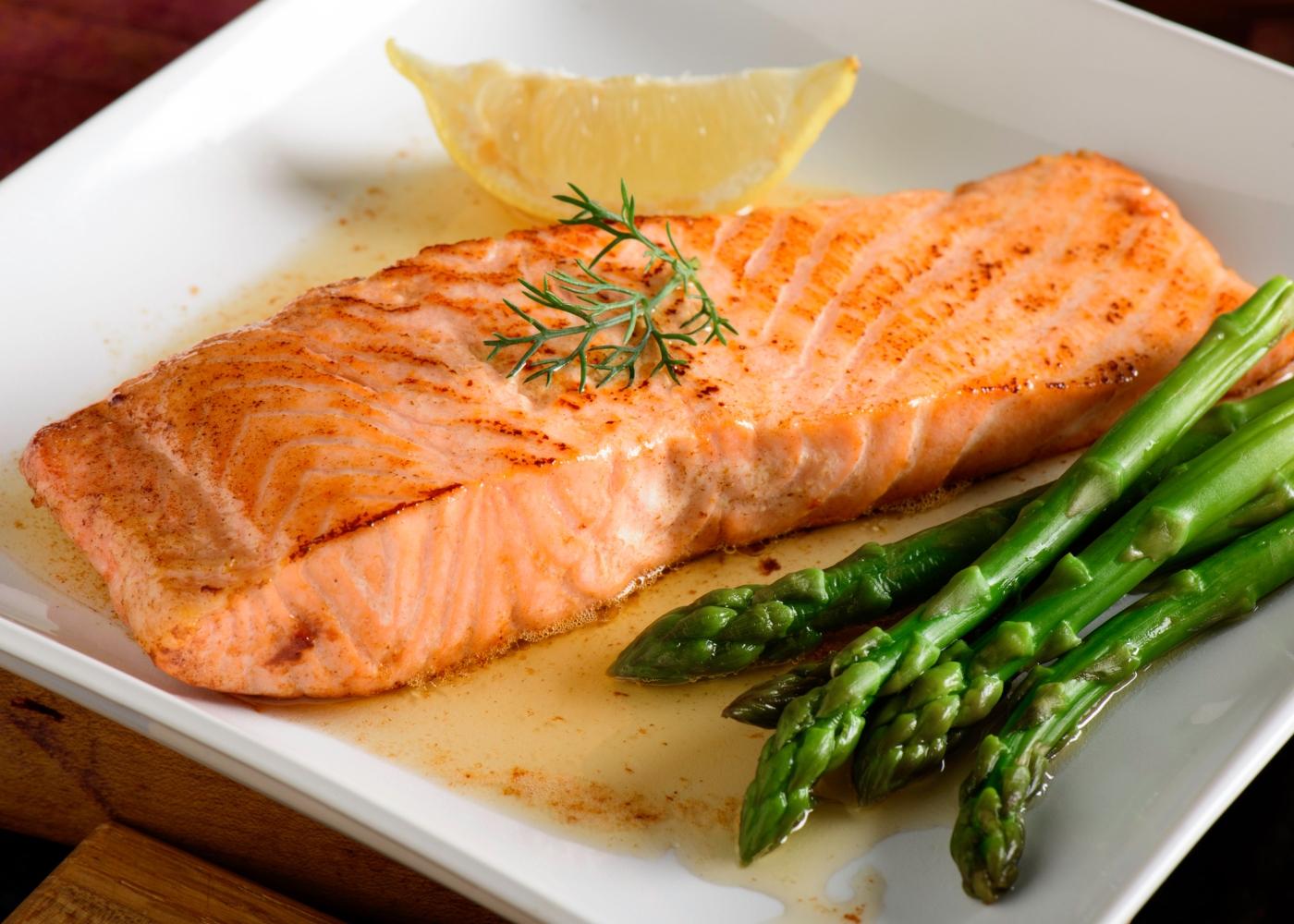 posta de salmão cozido