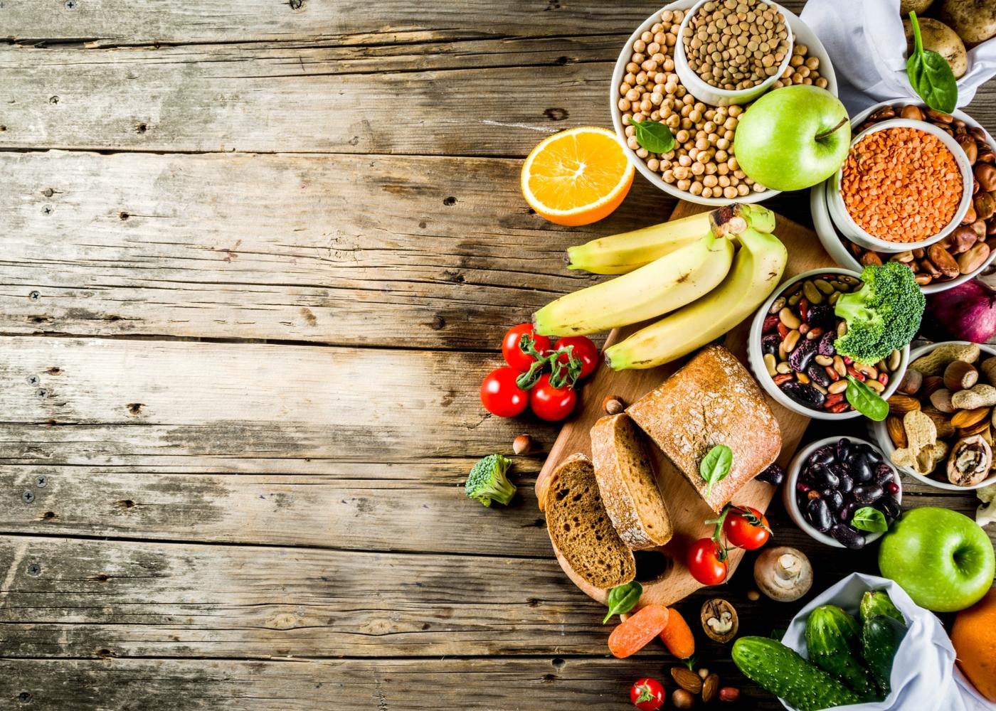 Variedade de alimentos ricos em fibras