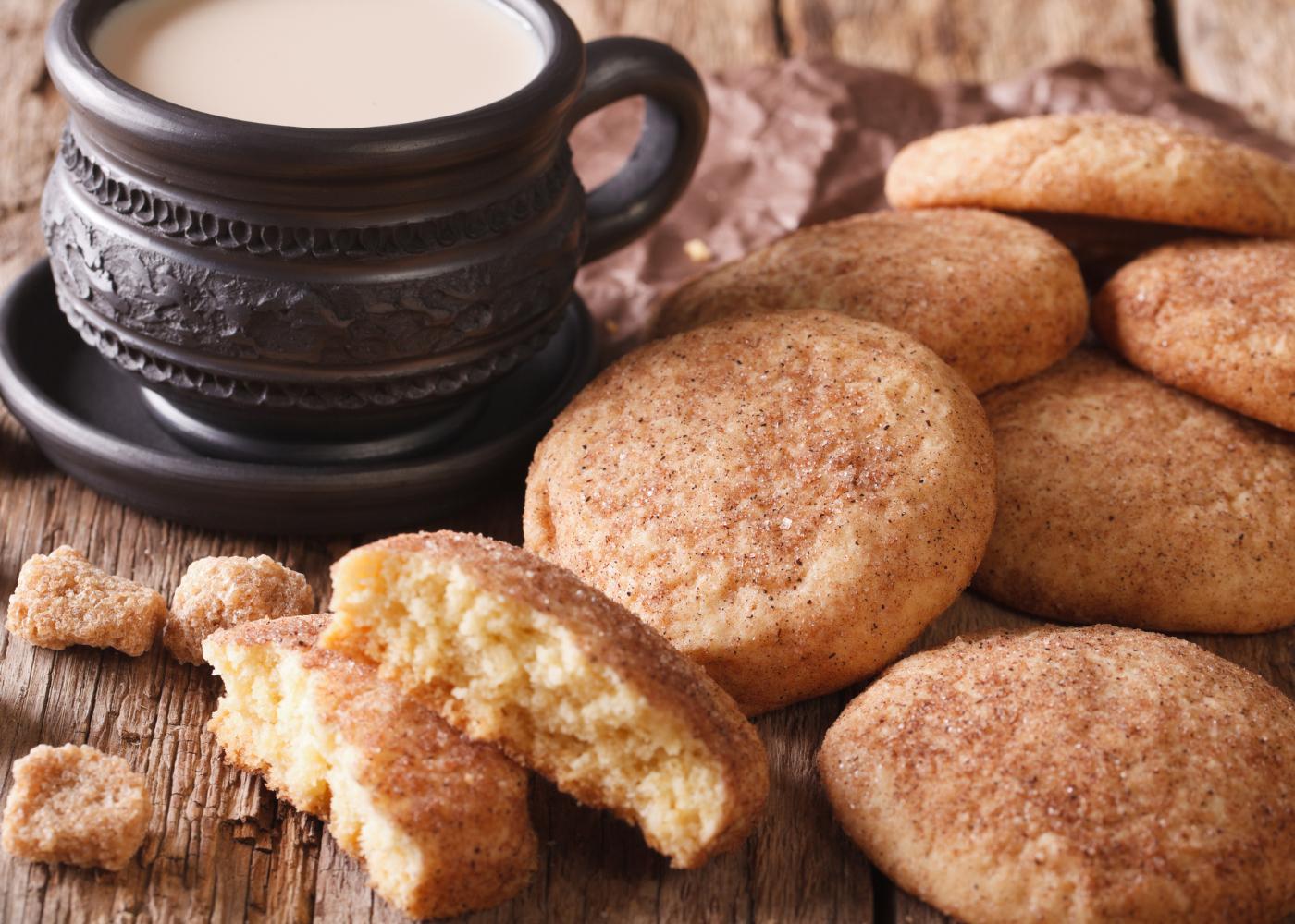 biscoitos de canela e iogurte