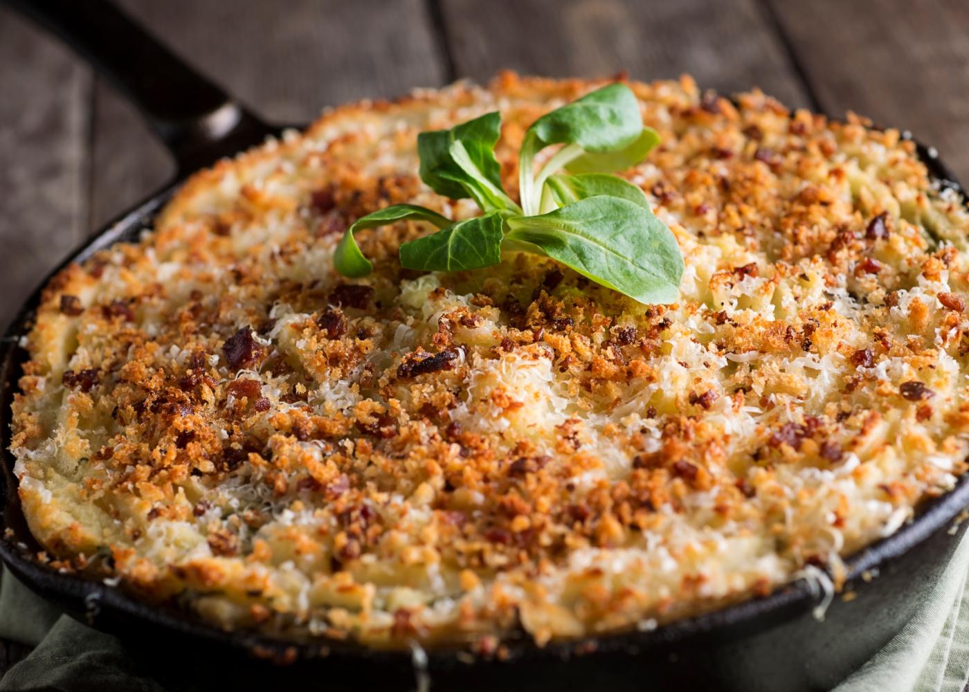 receitas saudáveis para quarentena: empadão de arroz, atum e legumes