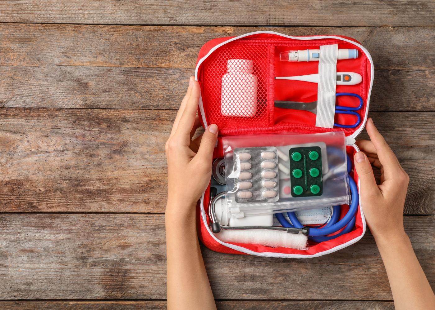 Regras básicas de primeiros socorros: kit