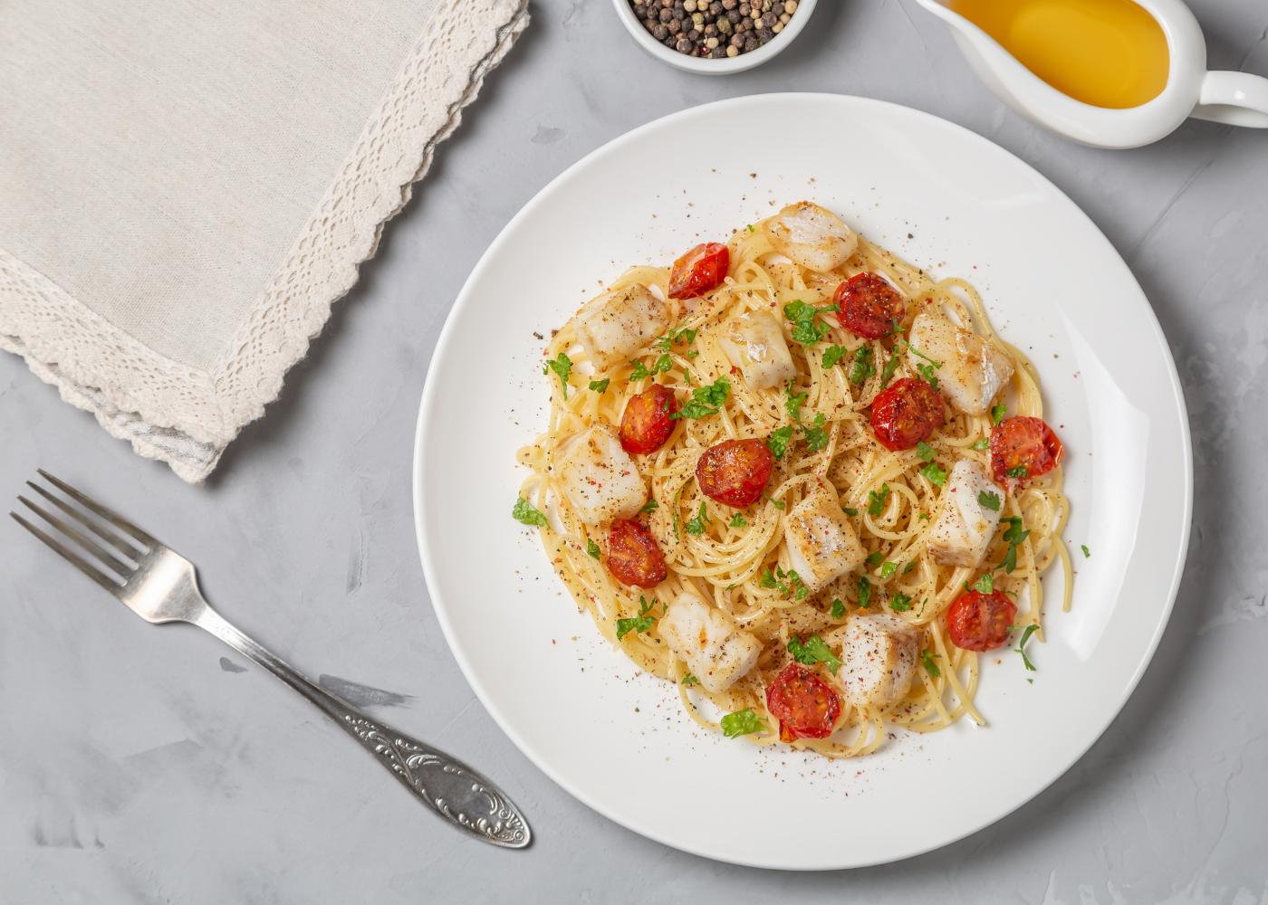 massa esparguete com bacalhau