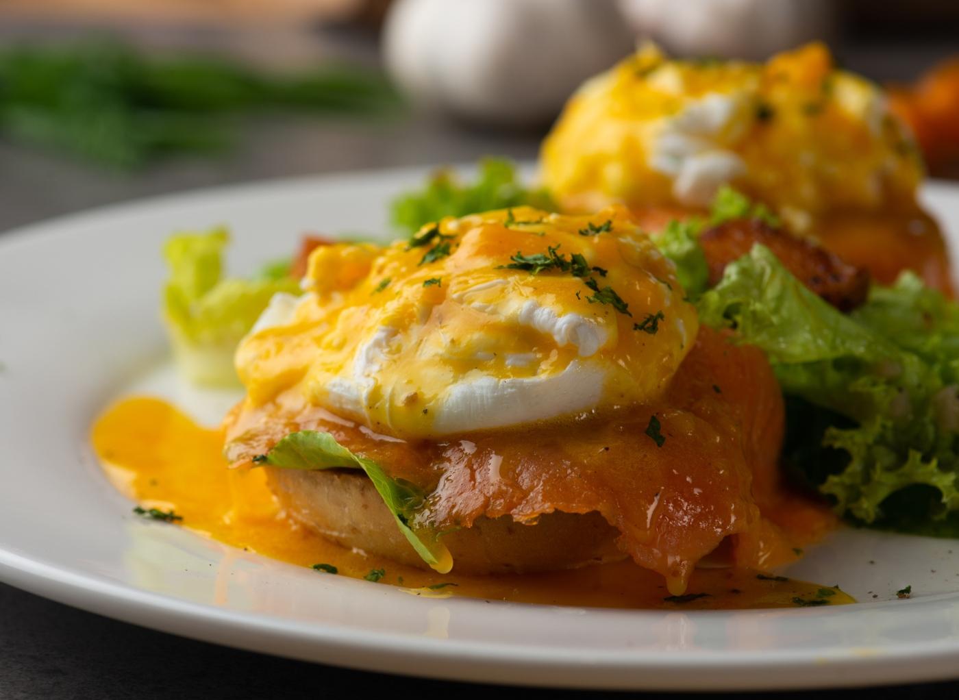 Formas de comer ovo cozido: ovos benedict