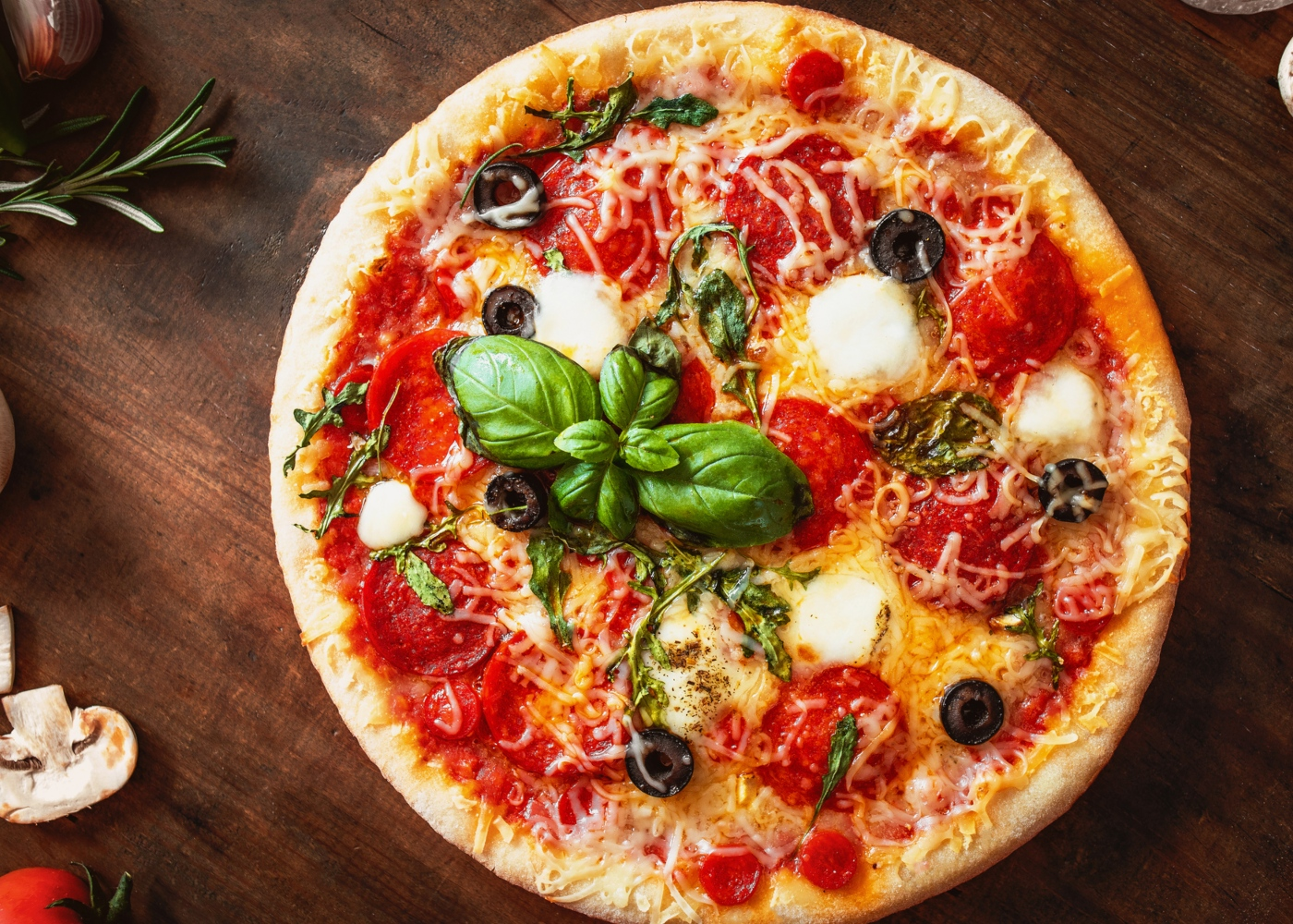 Receitas para fazer com os mais novos: pizza com massa caseira
