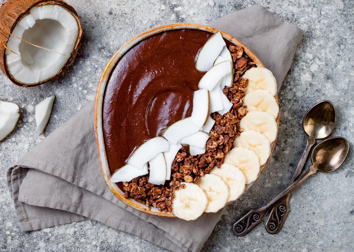 Smoothie bowl de banana e coco