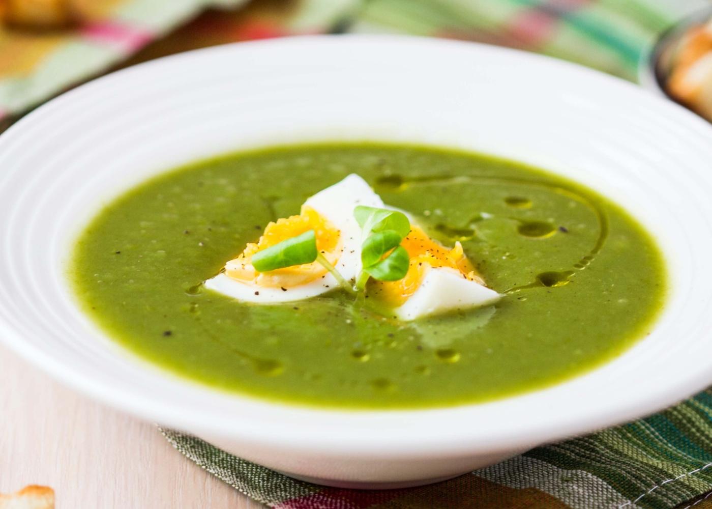 receitas saudáveis para quarentena: sopa de espinafres