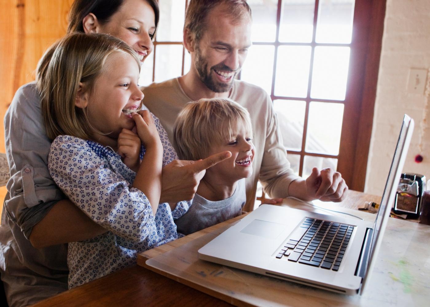 Atividades para fazer em casa em familia: visitas virtuais a museus