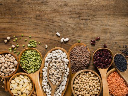 alimentos ricos em proteína vegetal: soja, lentilhas, favas