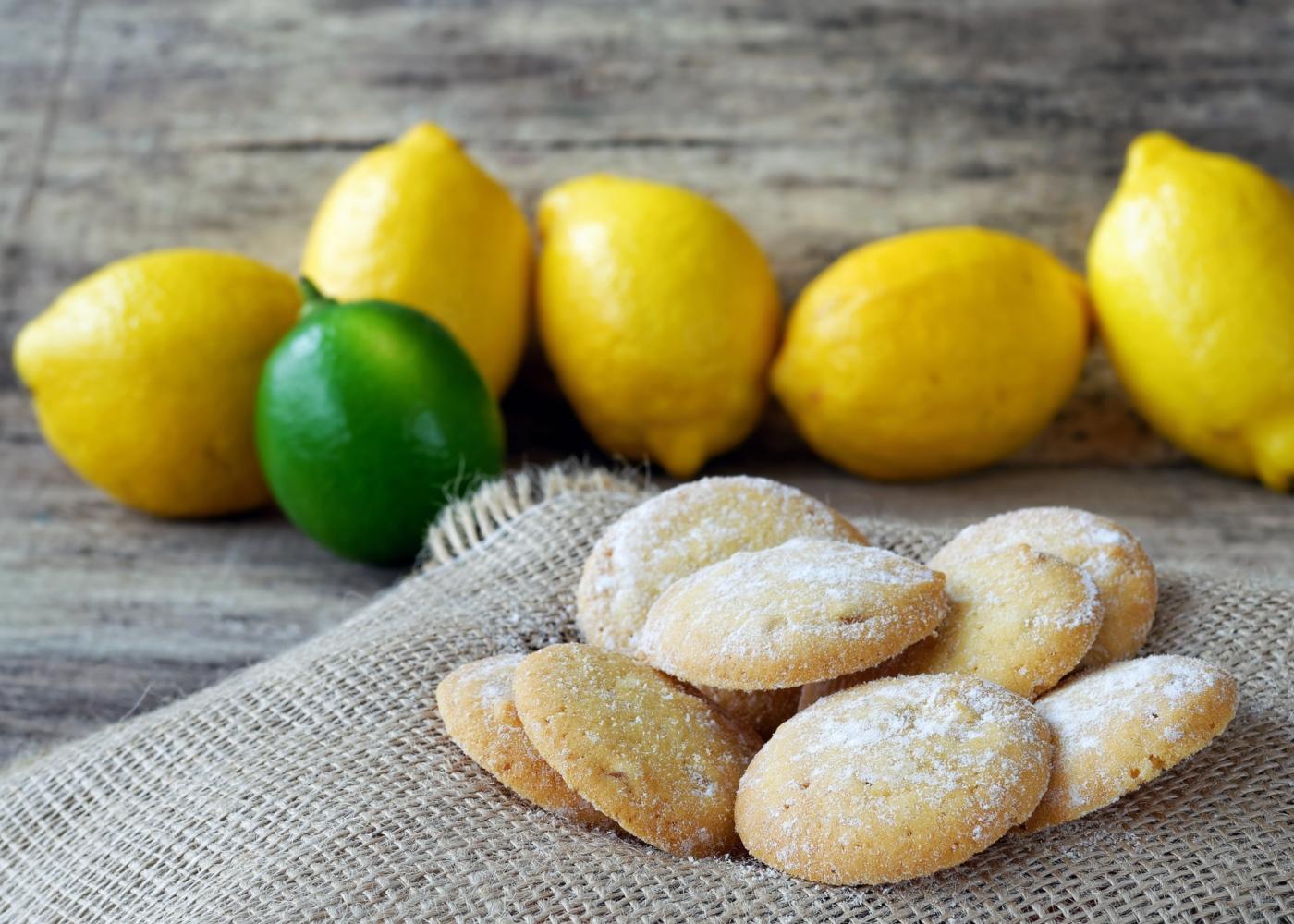 Biscoitos de manteiga e limão