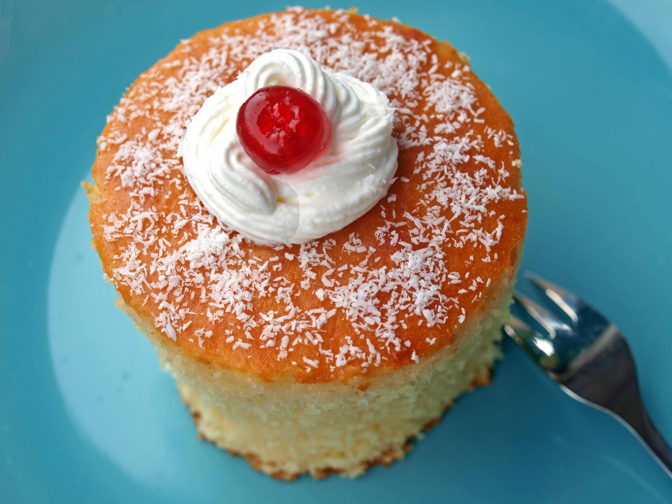 bolo de caneca no microondas de coco