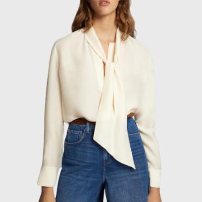 Camisa branca de laço