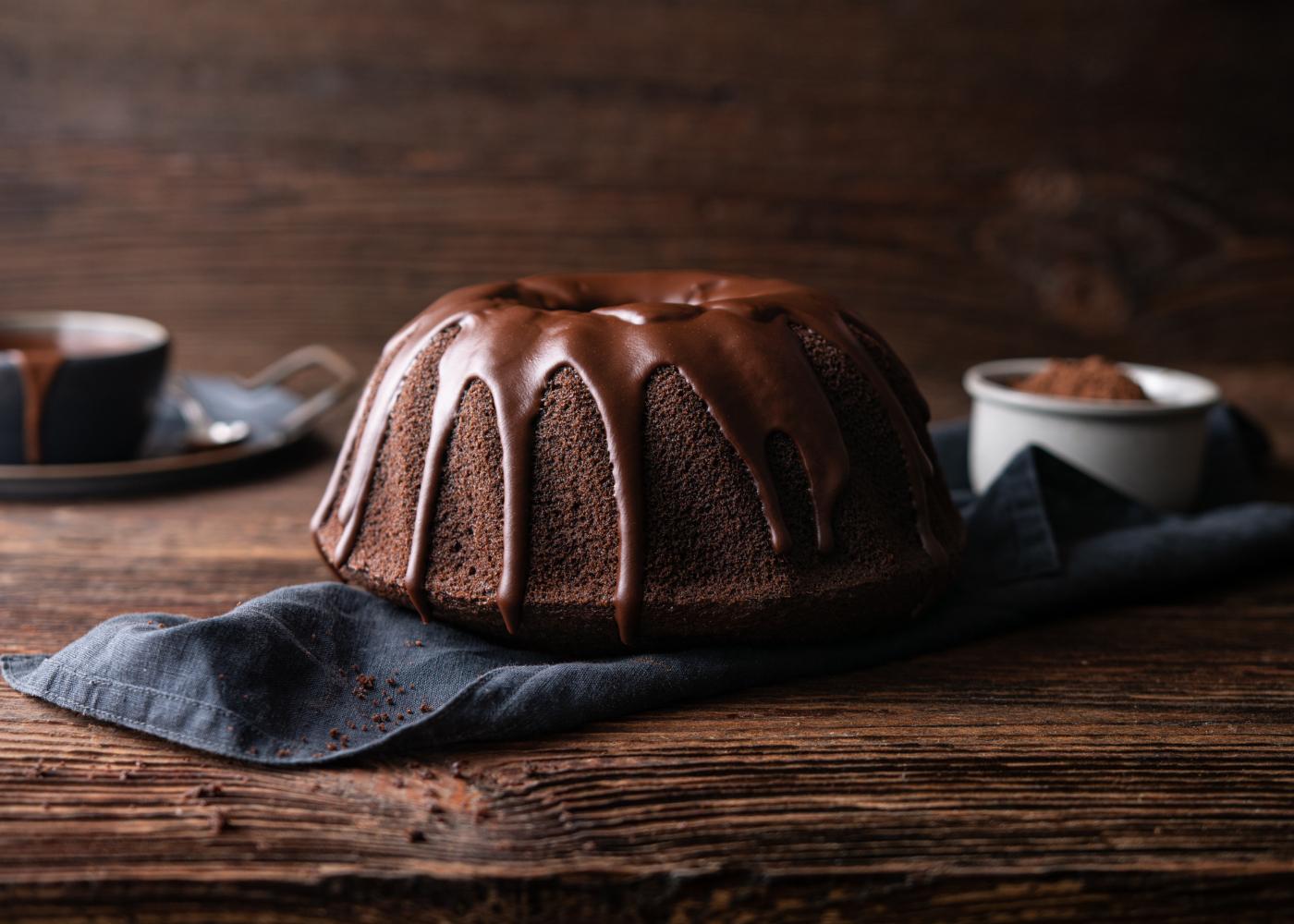 bolo com ganache em ponto líquido