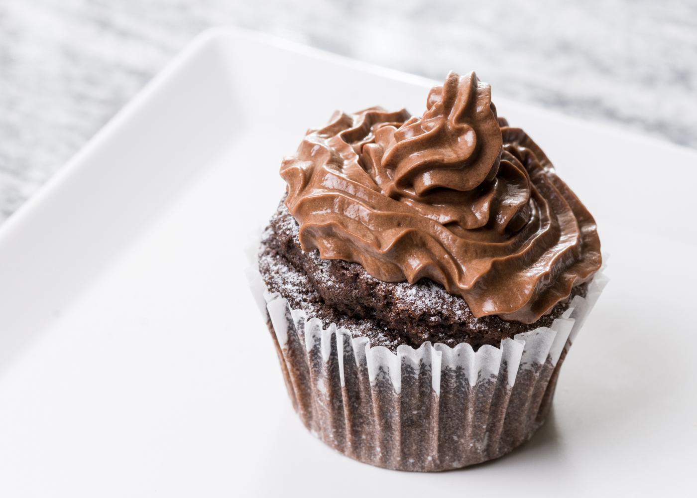 muffin com ganache em ponto pastoso