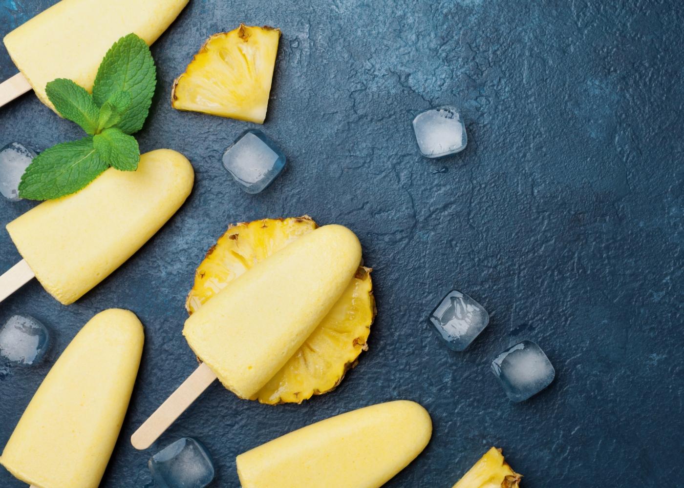 Receitas saudáveis com fruta: gelados de ananás e menta