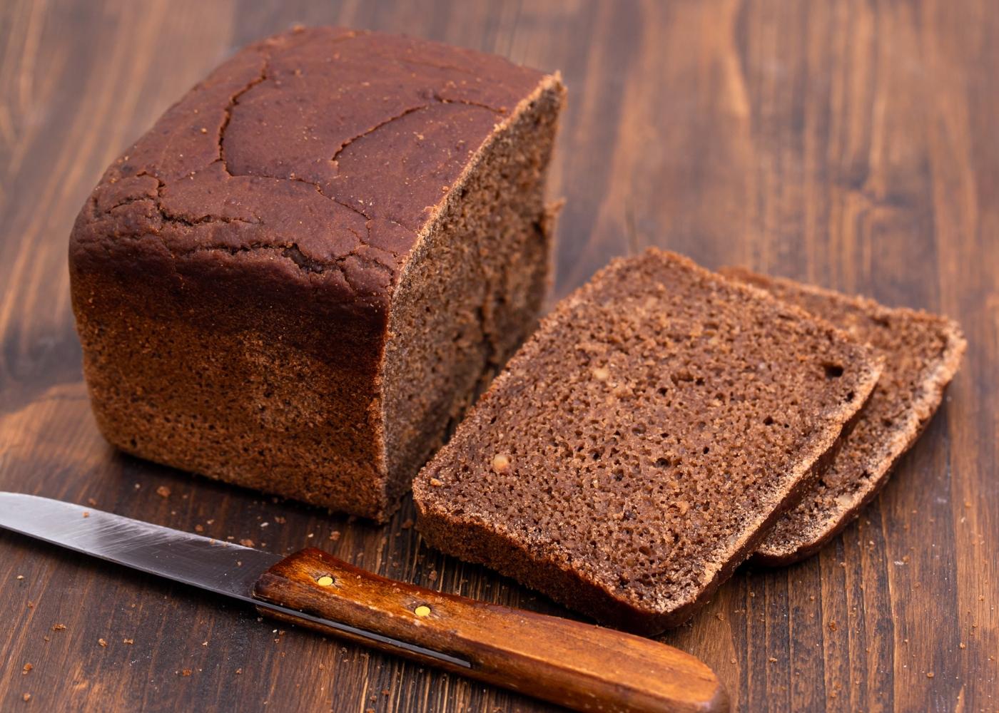 Pão de alfarroba com três farinhas