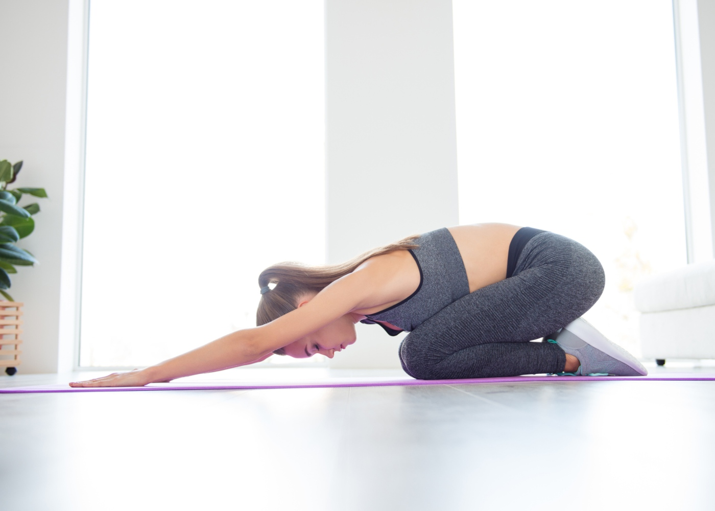 Alongamentos para costas: prayer stretch