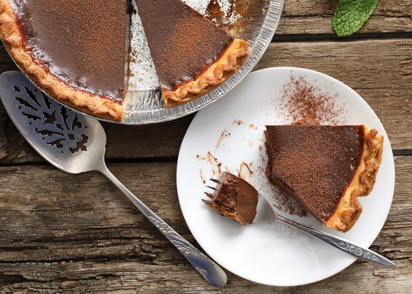 Sobremesas saudáveis que não precisam de forno: tarte de chocolate