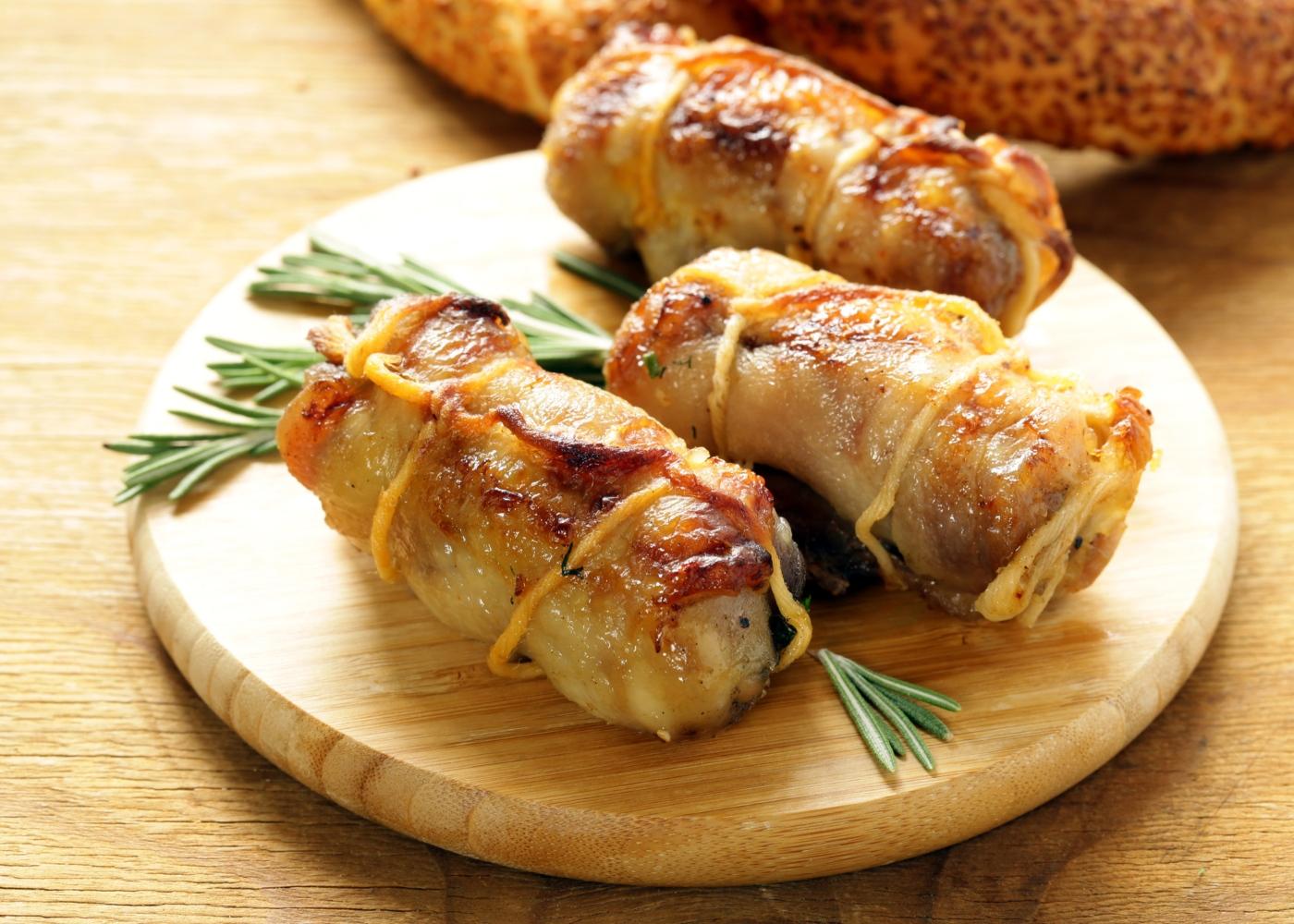 Bifinhos de frango enrolados em bacon
