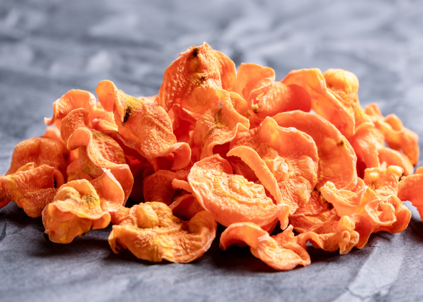 Receitas de snacks à base de hortícolas: chips de cenoura