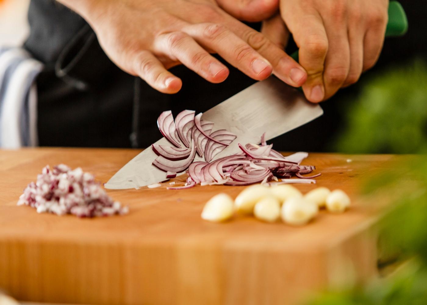 Como guardar batata, alho e cebola