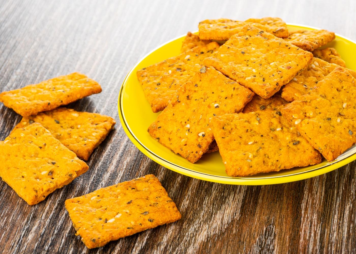 Receitas de snacks à base de hortícolas: crackers de batata-doce