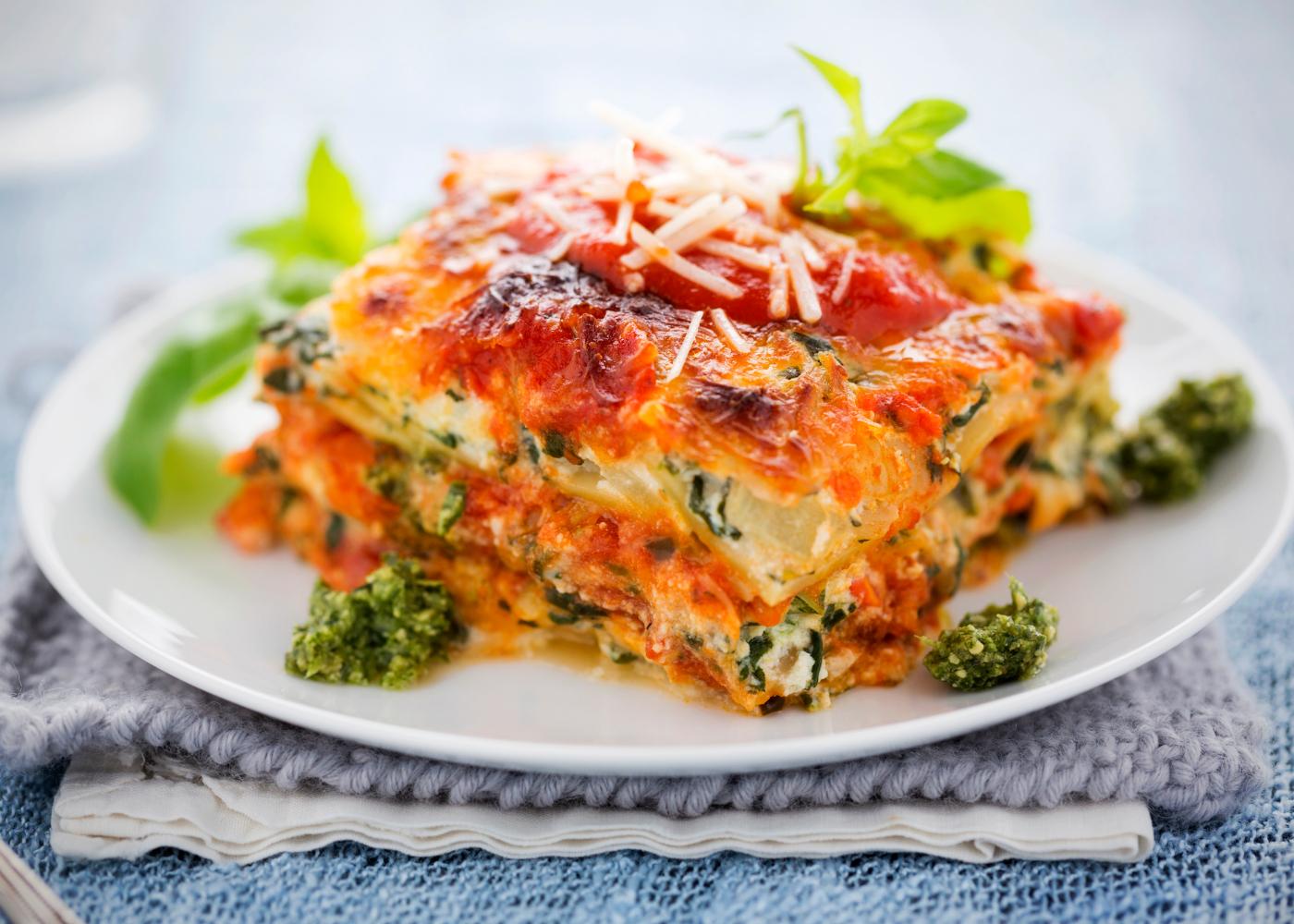 lasanha de legumes com molho de tomate