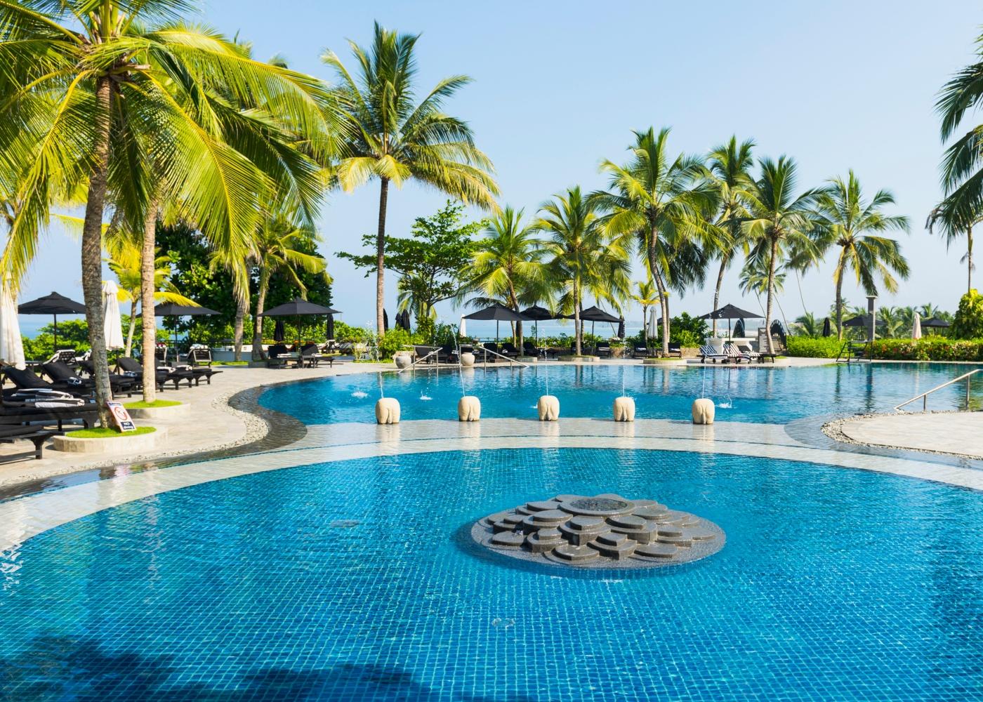 Panorâmica de piscina de hotel