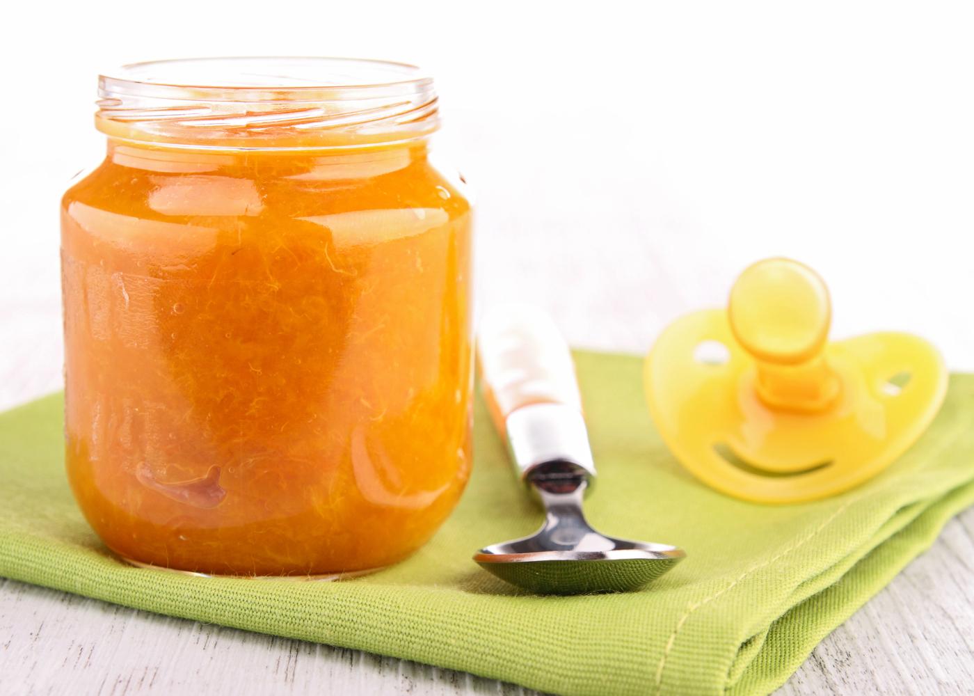 boião de puré de fruta