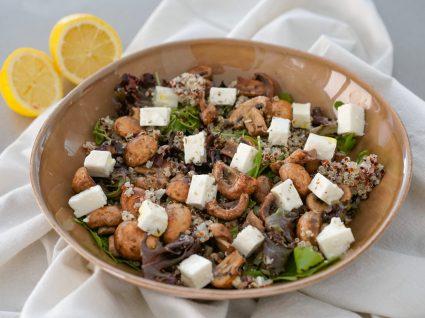 salada de cogumelos e queijo feta