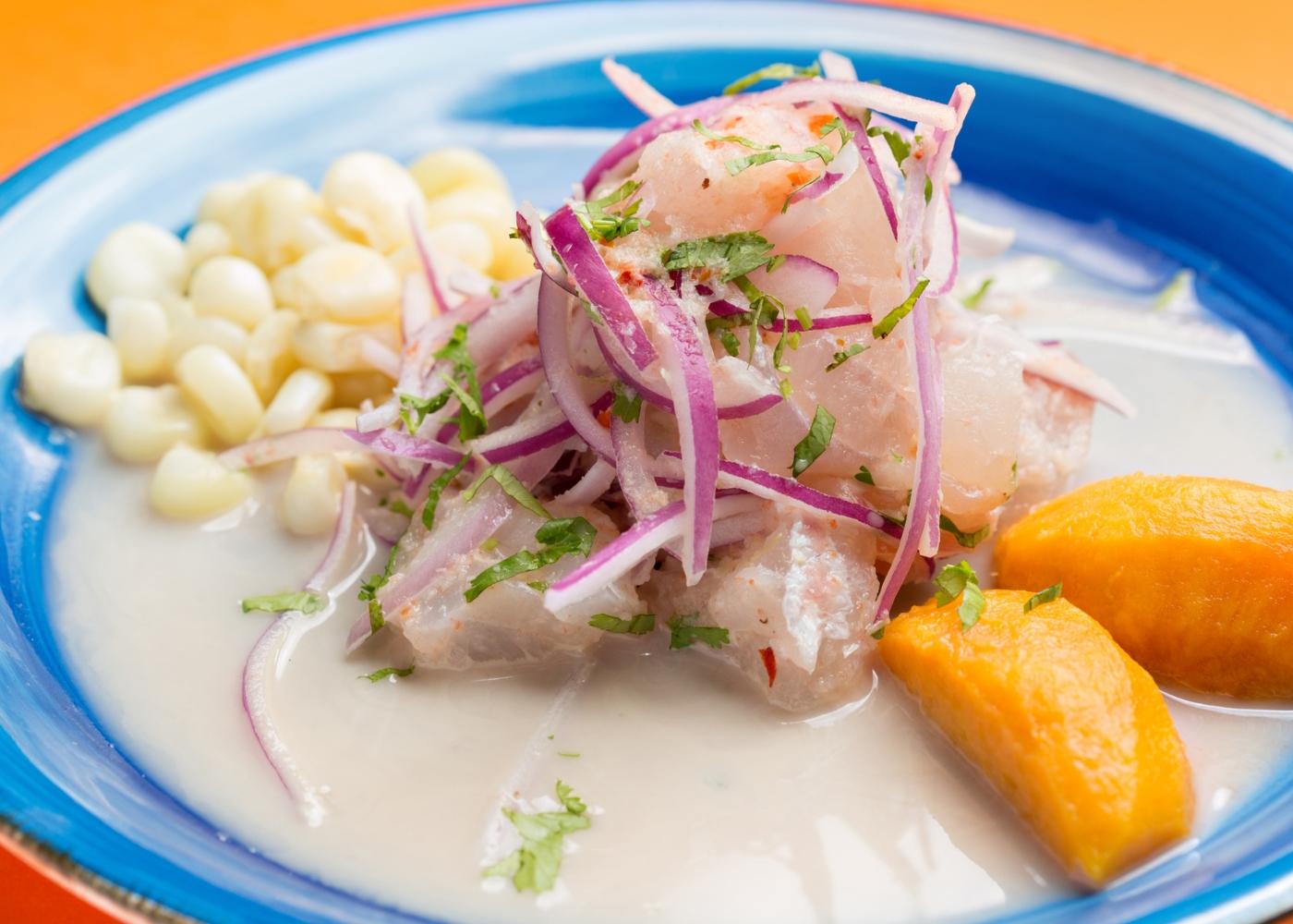 Ceviche de peixe branco com marinada especial