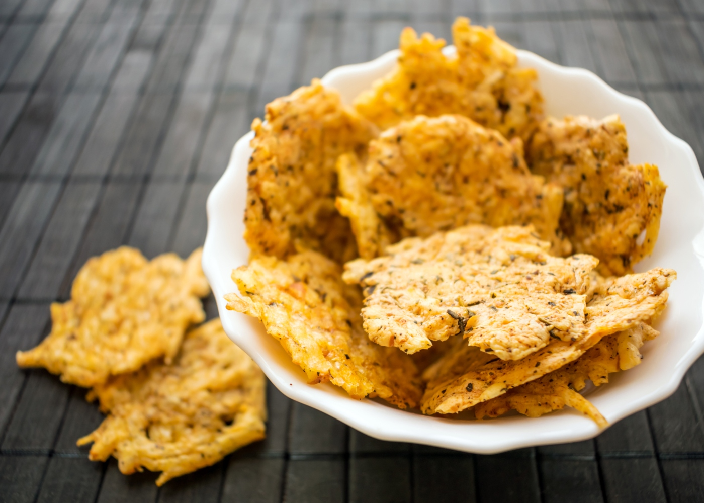 Cracker de vegetais e sementes