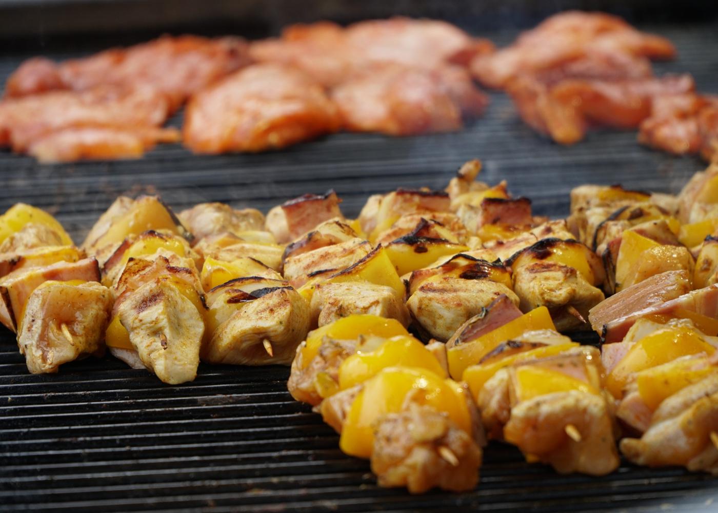 espetadas de frango com ananás e bacon