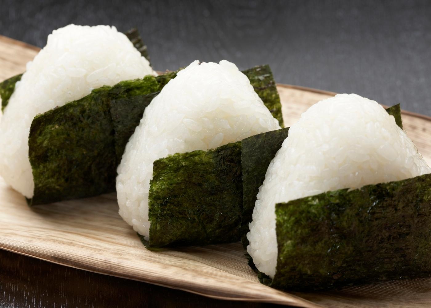 Onigiri: bolinhos de arroz japoneses