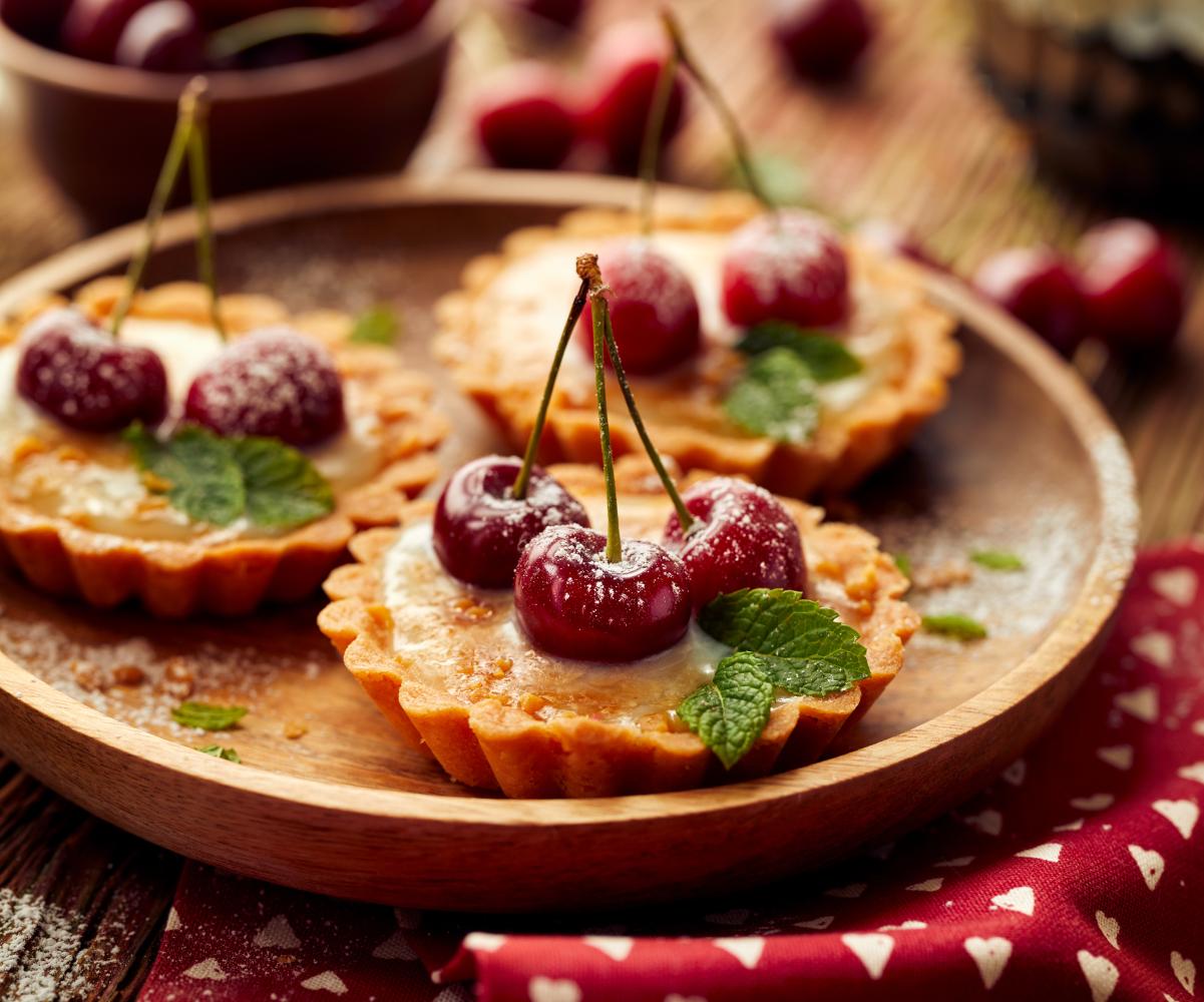 pastéis de nata com cereja