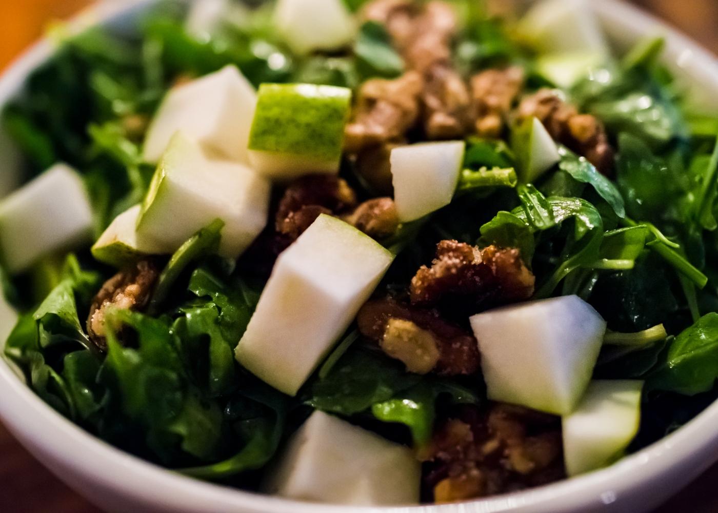 Salada de couve com maçã verde