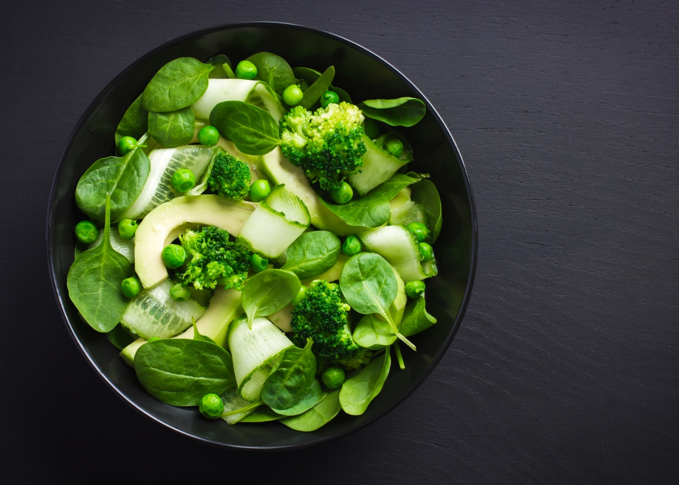 Salada de ervilhas e abacate