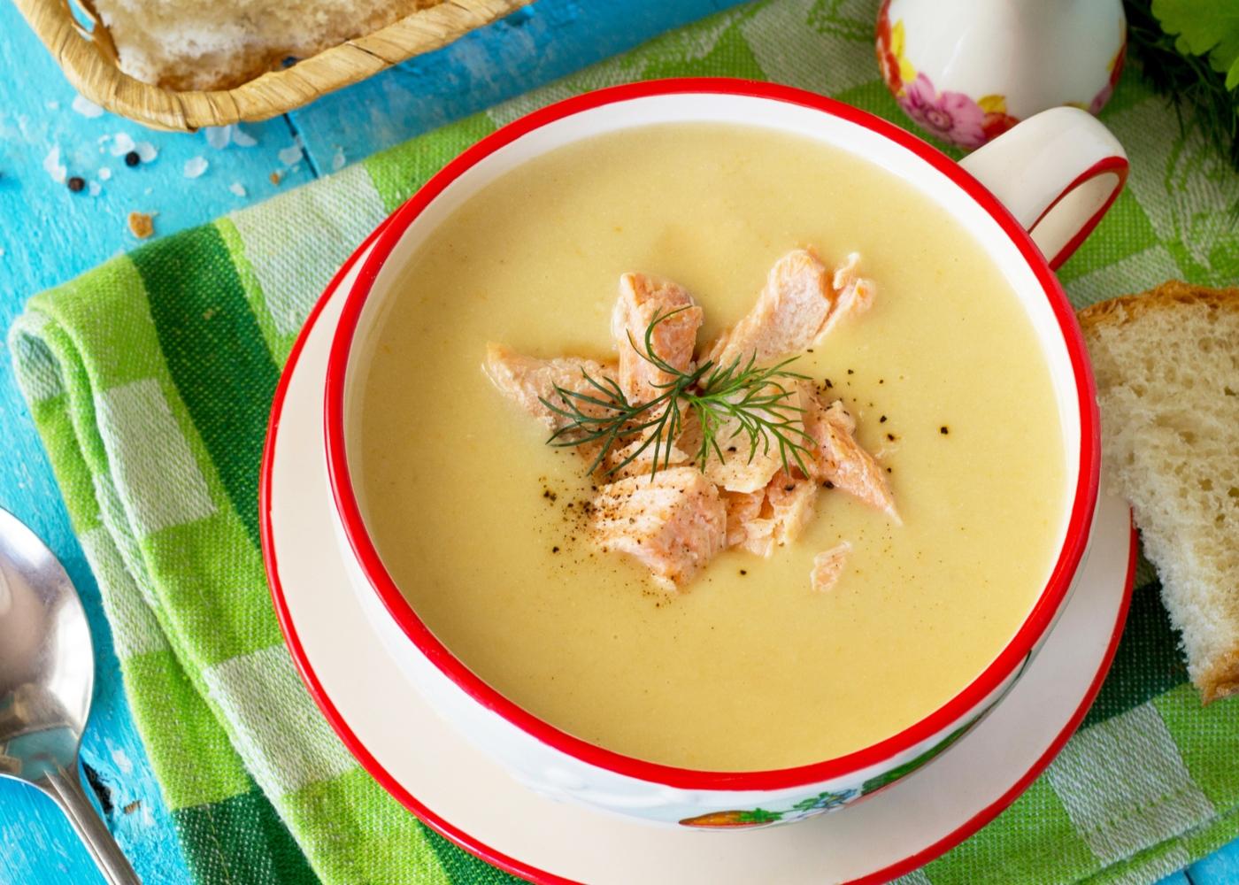 Sopa de peixe com batata e courgette