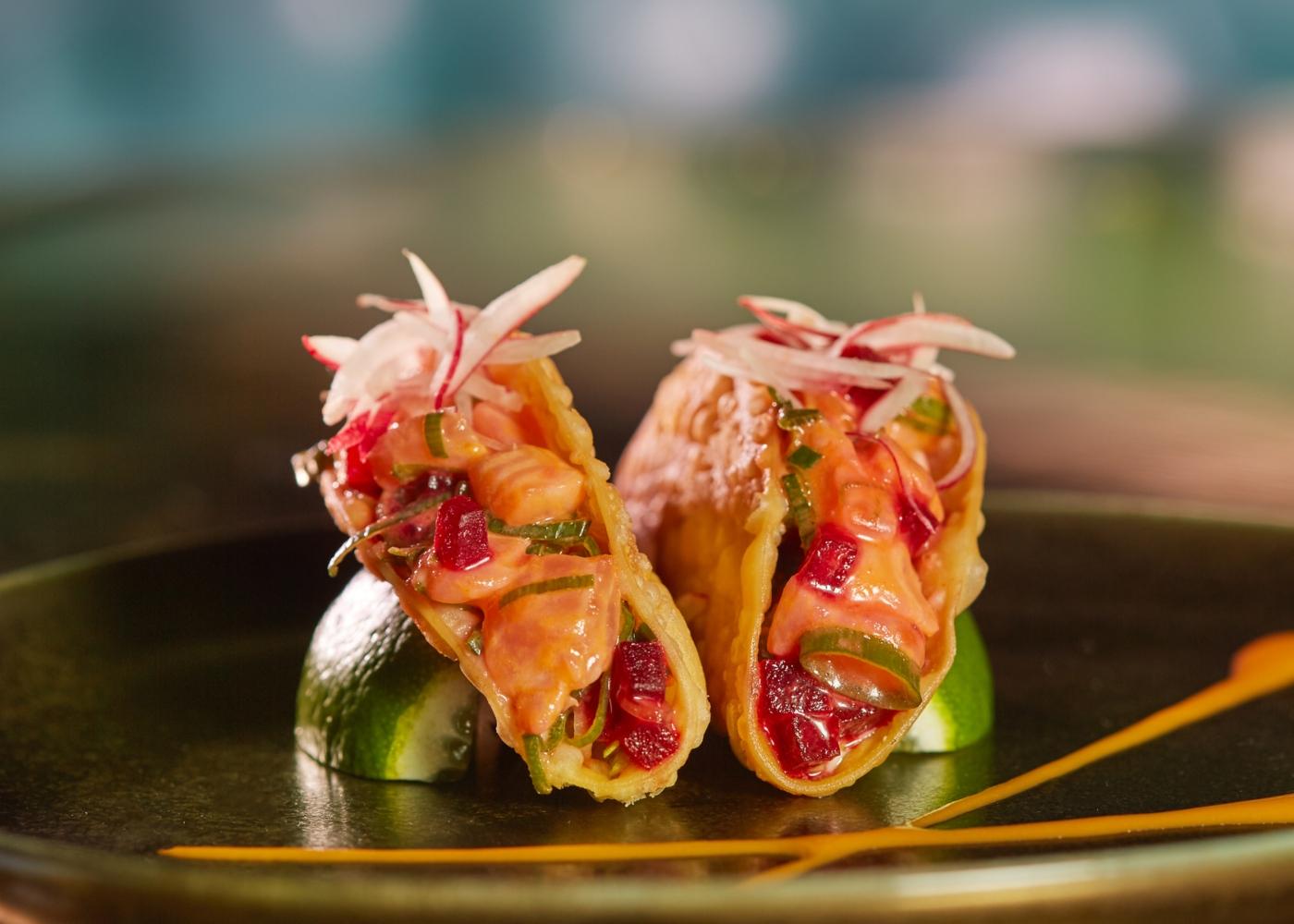 Tacos de salmão