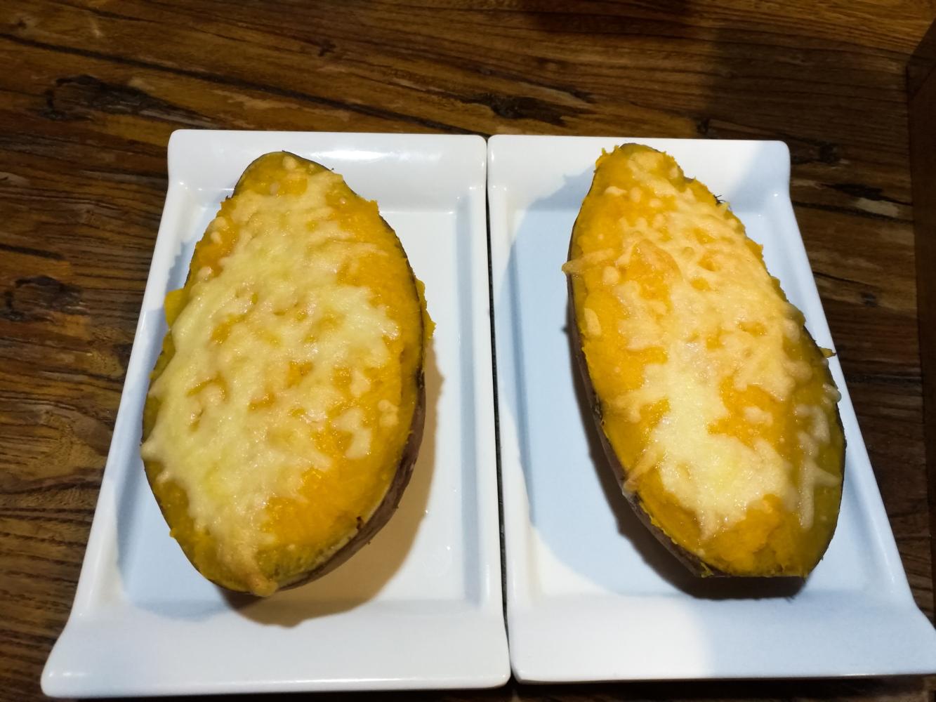batata-doce recheada com queijo