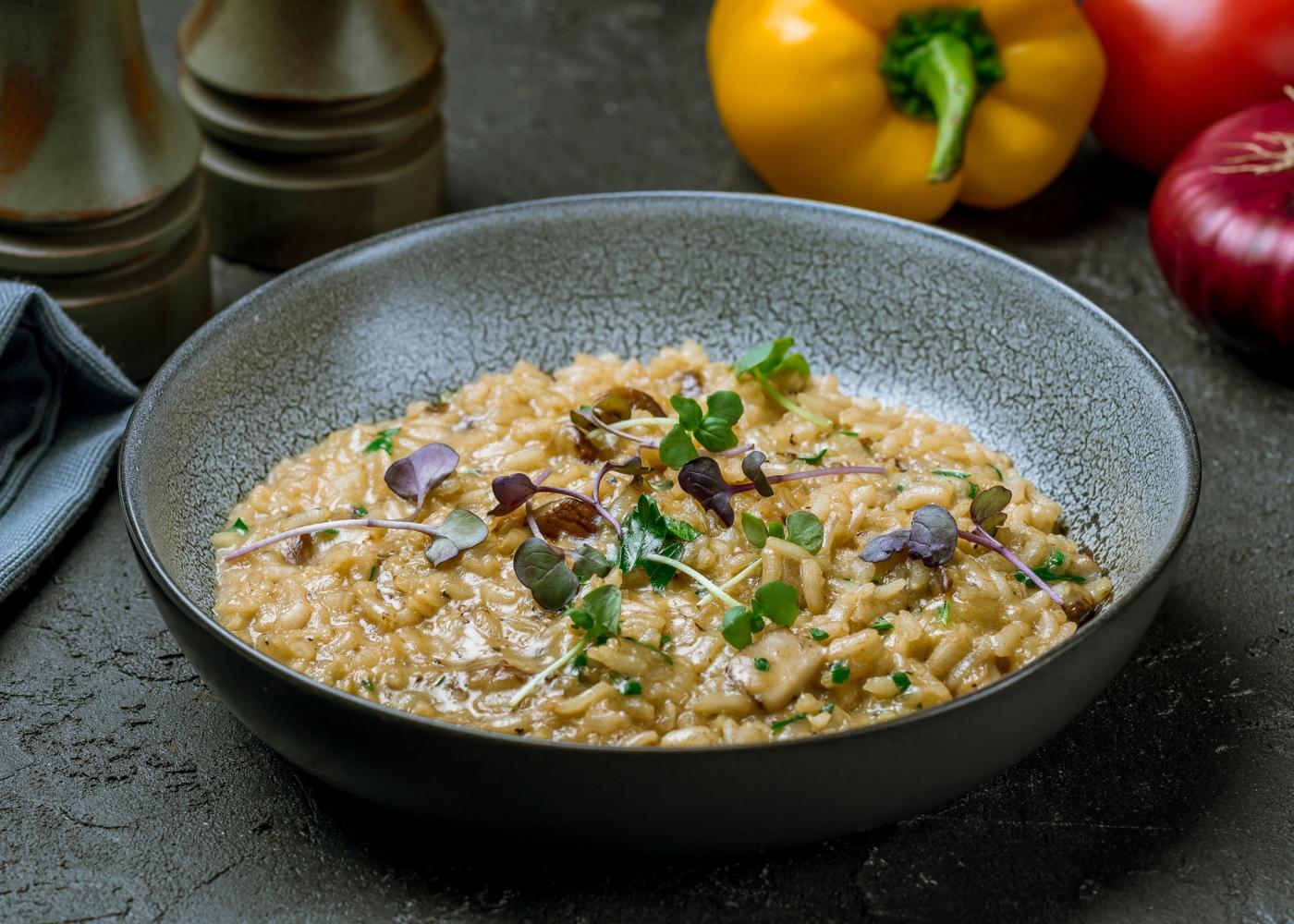 prato com risotto de carne picada